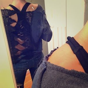 FREE PEOPLE crop top with lace back size SMALL